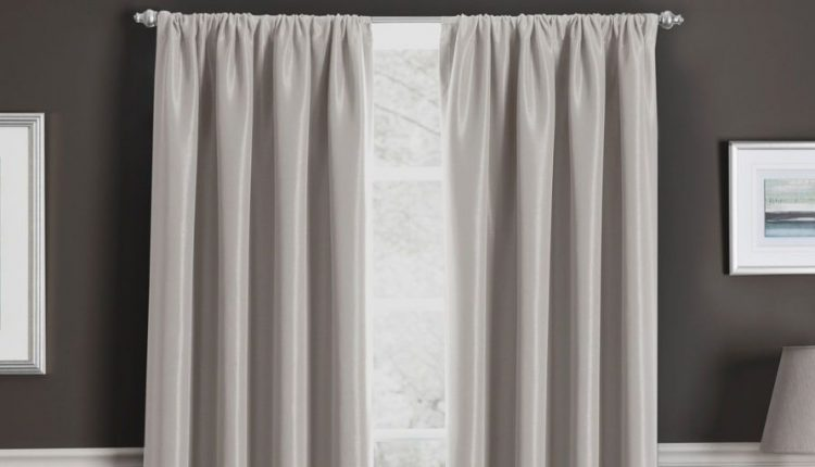 Choosing the Right Curtain Poles for Your Curtains
